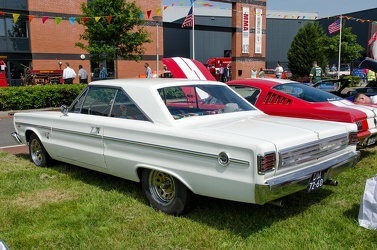 Plymouth Belvedere II hardtop coupe 1966 r3q