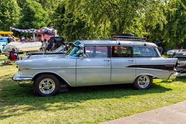 Chevrolet 210 Townsman wagon 1957 side
