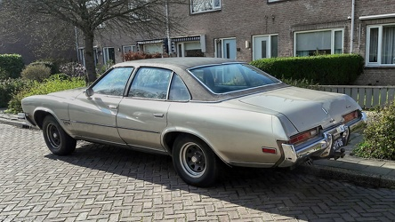 Buick Century Luxus Colonnade 4-door sedan 1973 r3q