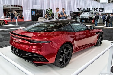 Aston Martin DBS Superleggera 2018 r3q