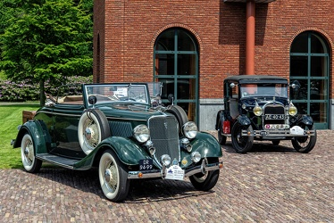 Ford V8 2-door cabriolet 1933 fr3q