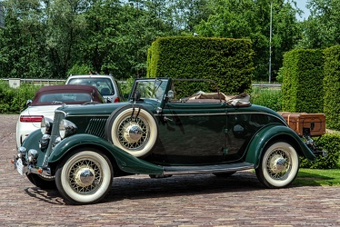 Ford V8 2-door cabriolet 1933 side