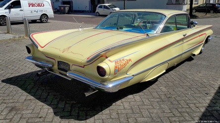 Buick LeSabre hardtop coupe Sea Cruiser custom 1960 r3q