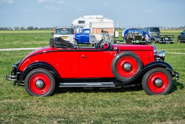 Citroen C4 G roadster 1932 side
