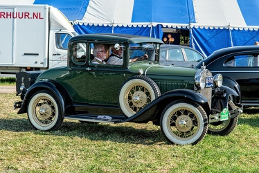 Ford Model A 2-door coupe 1930 fr3q