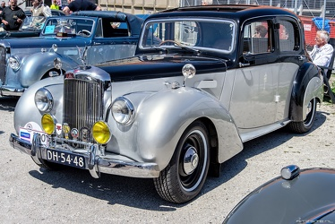 Alvis TC21 4-light saloon by Mulliner 1955 fl3q