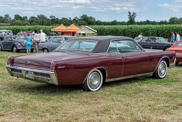 Lincoln Continental hardtop coupe 1966 r3q