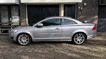 Volvo C70 S2 T5 2013 side